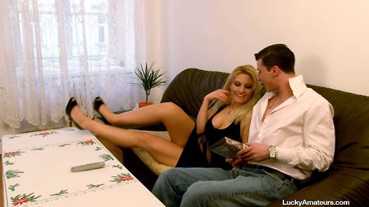 LuckyAmateurs.com - Lucie amateur sex video screenshots - 1 - 1
