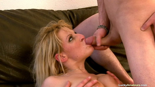 LuckyAmateurs.com - Lucie amateur sex video screenshots - 1 - 22
